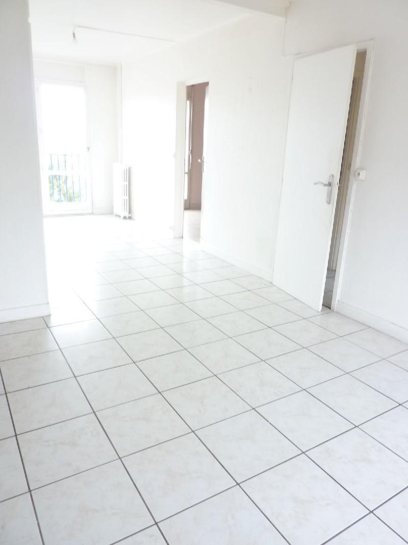 Location Appartement 4 pièces 58 m² Dreux (28)